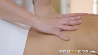 BRAZZERS – Our Queen Is Back – Lisa Ann in her first Anal scene
